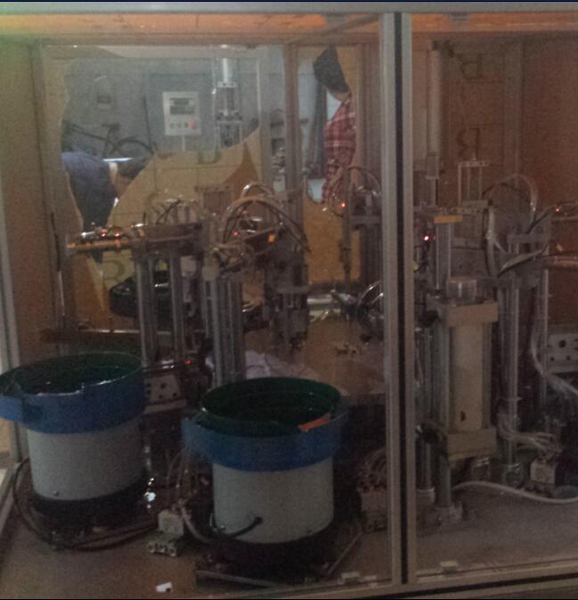 闸阀自动组装机/自动装配生产线